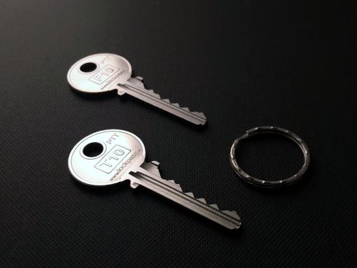 T10 et F10 et anneau