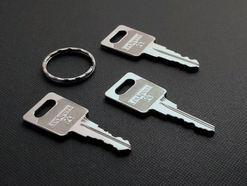 clés batteuses et anneau verso